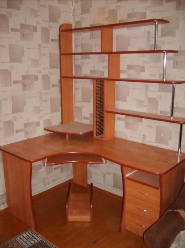 Стол компьютерный под заказ mk161.ru.